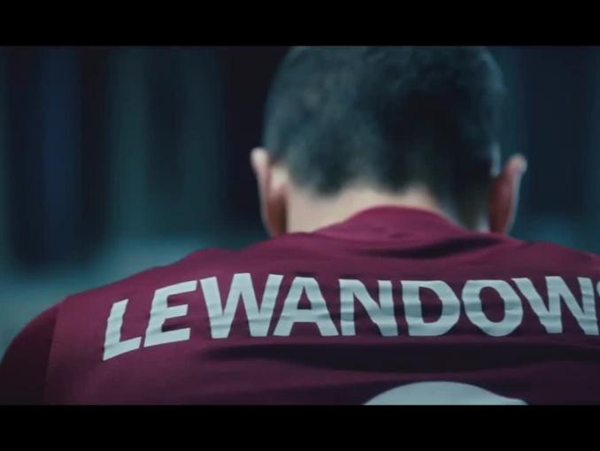 Robert Lewandowski reklamuje head & shoulders także za granicą