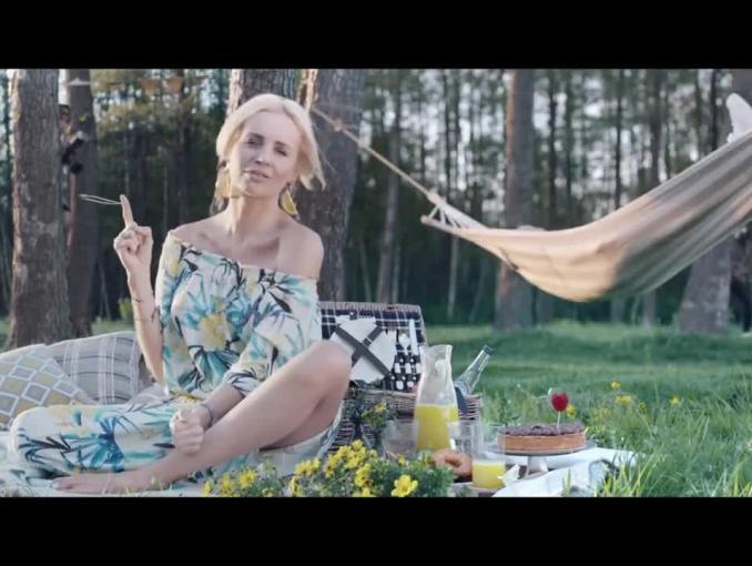 Agnieszka Szulim w reklamie T-Mobile śpiewa głosem Piotra Kędzierskiego