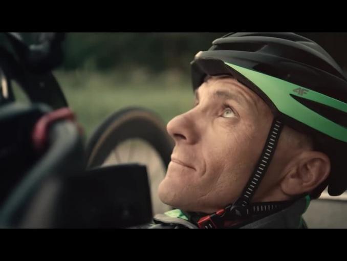 Paraolimpijczyk Rafał Wilk w reklamie odzieży 4F