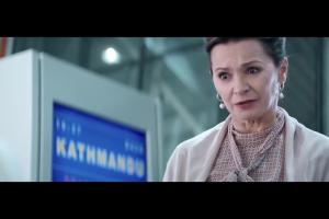 Staruszka jadąca do Katmandu w reklamuje ING Bank Śląski