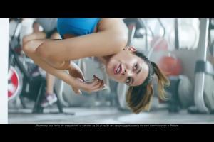 Robert Górski jako kioskarz na siłowni reklamuje internet za darmo w Orange Free