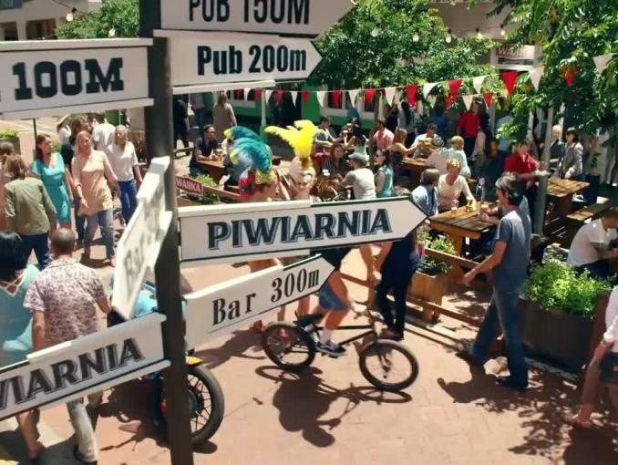 Planeta Warka - puby z podatków i randki na meczach w reklamie piwa Warka