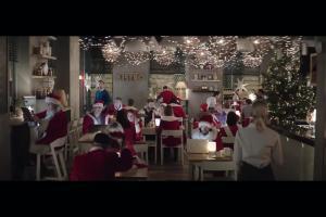 Bożonarodzeniowa tradycja kulinarna w reklamie internetu Orange Światłowód w Orange dla Firm