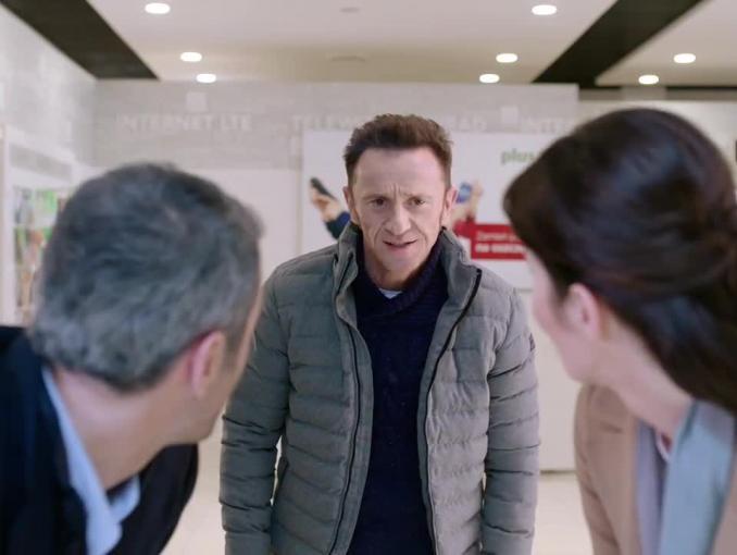 Brodzik i Wilczak radzą na zakupach w świątecznych reklamie SmartDomu
