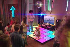 Karaoke o rejestrowaniu numerów w reklamie Plusha