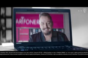 Piotr Kędzierski reklamuje Smartfonerię w T-Mobile