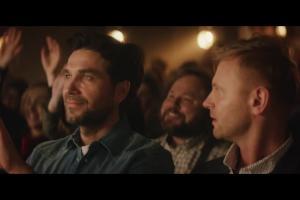Marcin Dorociński w reklamie Orange Love z telewizją 4K