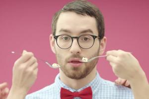 """""""Nieważne jak, ważne z kim!"""" - reklama lodów Manhattan"""