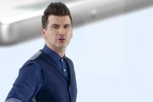 Tomasz Kammel reklamuje Sony Xperia X za 1 zł w Play