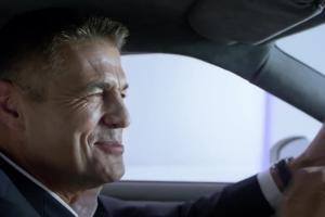 Krzysztof Hołowczyc reklamuje Formułę Perfect Box dla Firm w Play