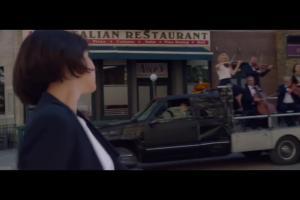 Filmowy spacer reklamuje Orange Love z telewizją 4K