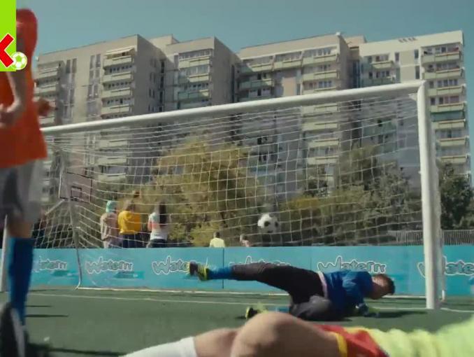 Kamil Grosicki reklamuje Kubuś Waterrr Sport