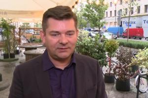 """Zenon Martyniuk: moja biografia """"Życie to są chwile"""" powstała jako odpowiedź na prośby fanów"""