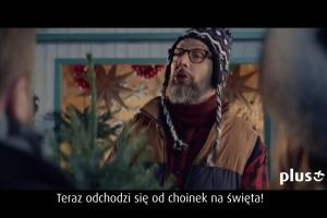 Szymon Majewski sprzedaje palmę zamiast choinki w spocie Ja+ Abonament w Plusie