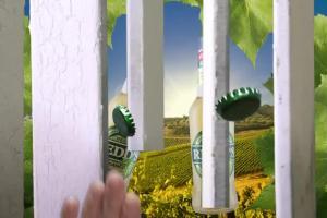 Reklama piwa Redd's Bianco