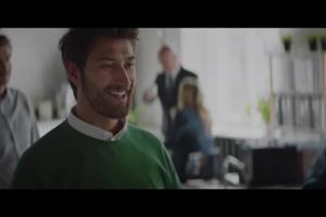 Żart szefa w w reklamie piwa Perła