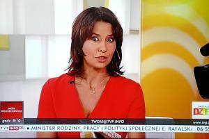 """""""Wstaje dzień"""" w TVP Info. Anna Popek i przegląd prasy"""