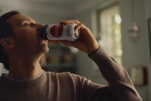 Coca-Cola Zero Cukru w puszkach jako sponsor reprezentacji Polski