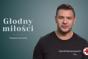 """""""Godni pomagania"""" - Socha, Piróg, Węglarczyk, Pazdan, Ohme i Cieślak w akcji PCK"""