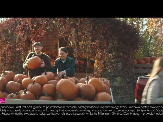 Radek Kotarski mówi o dyniach w reklamie Banku Millennium