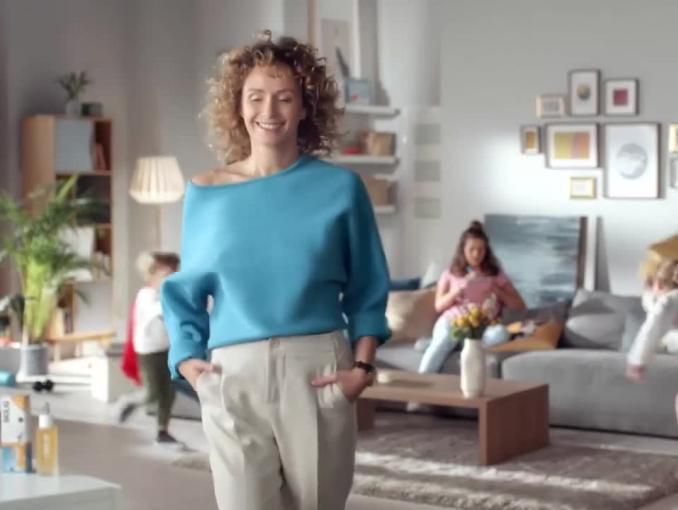 Monika Mrozowska reklamuje serum Bioliq