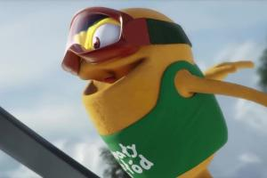 Skok narciarski w reklamie Danio