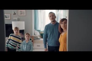 Szymon Majewski w podwójnej roli w reklamie Plusa