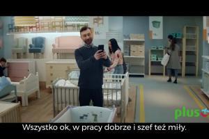 Jamala kupuje meble w reklamie Plusa