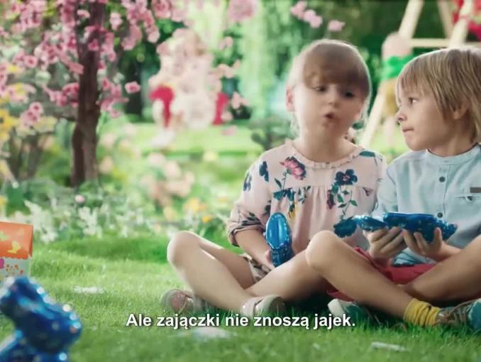 Zebra opowiada o wielkanocnym zajączku w reklamie Wedla