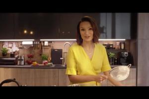 """Anna Starmach reklamuje """"kuchnię zaprojektowaną ze smakiem"""" w Leroy Merlin"""