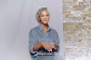 """""""Czas inaczej spojrzeć na siwe włosy"""" - reklama Pantene"""