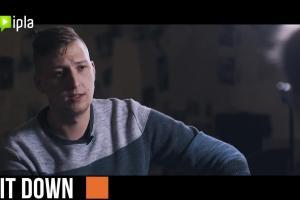 """Do Ipla trafił nowy autorski program """"Sit down. Rozmowy o stand-upie"""" (wideo)"""