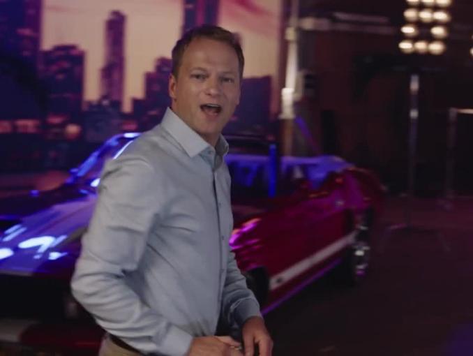 Maciej Stuhr w jubileuszowej reklamie Tic Taców