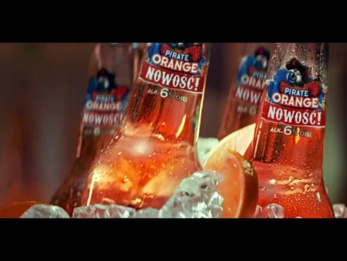 Piwo Captain Jack reklamowane w wersji Orange