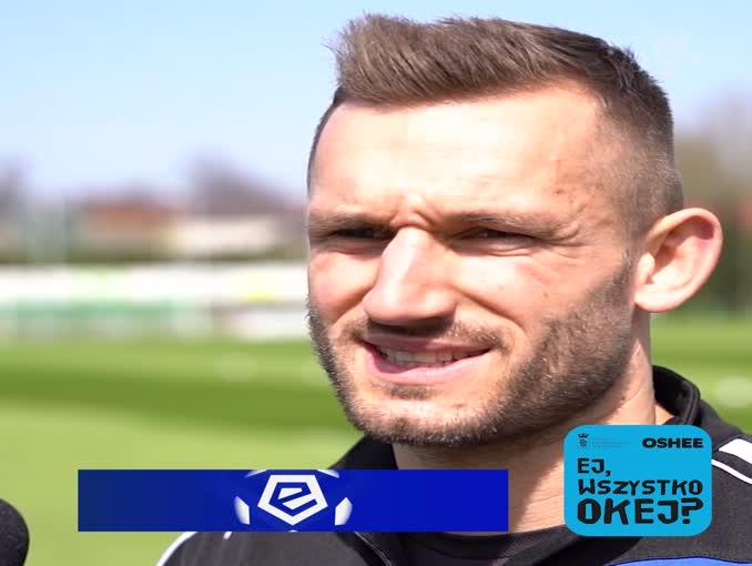 """""""Ej, wszystko okej"""" - akcja promocyjna piłkarzy Ekstraklasy wspierająca tematykę zdrowia psychicznego"""
