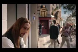 pozyczka z Mini Ratka w PKO BP - reklama z Szymonem Majewskim jako stylista