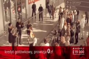 Piotr Adamczyk spiewa w reklamie kredytu w eurobanku (2)