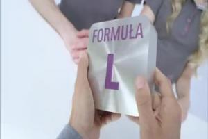 Maciej Stuhr w różnych rolach reklamuje Formułę M w Play