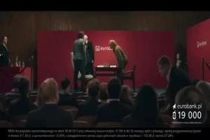 Piotr Adamczyk jako podwójny szachista w reklamie kredytu z cashbackiem w eurobanku