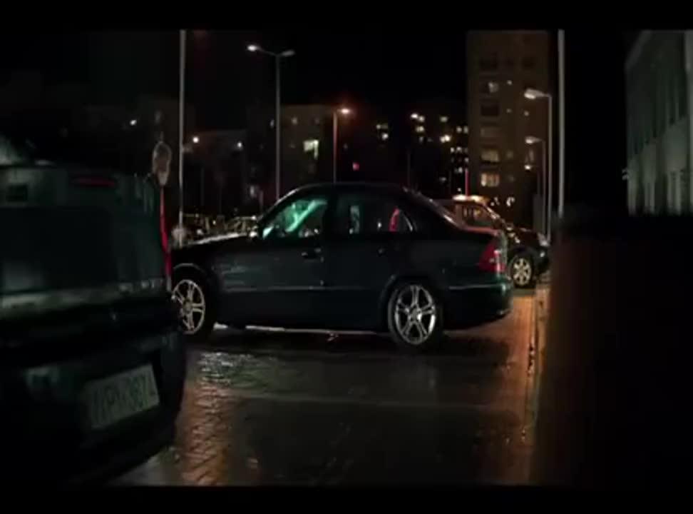 Mariusz Pudzianowski reklamuje ubezpieczenie w AXA Direct od pożaru i kradzieży samochodu