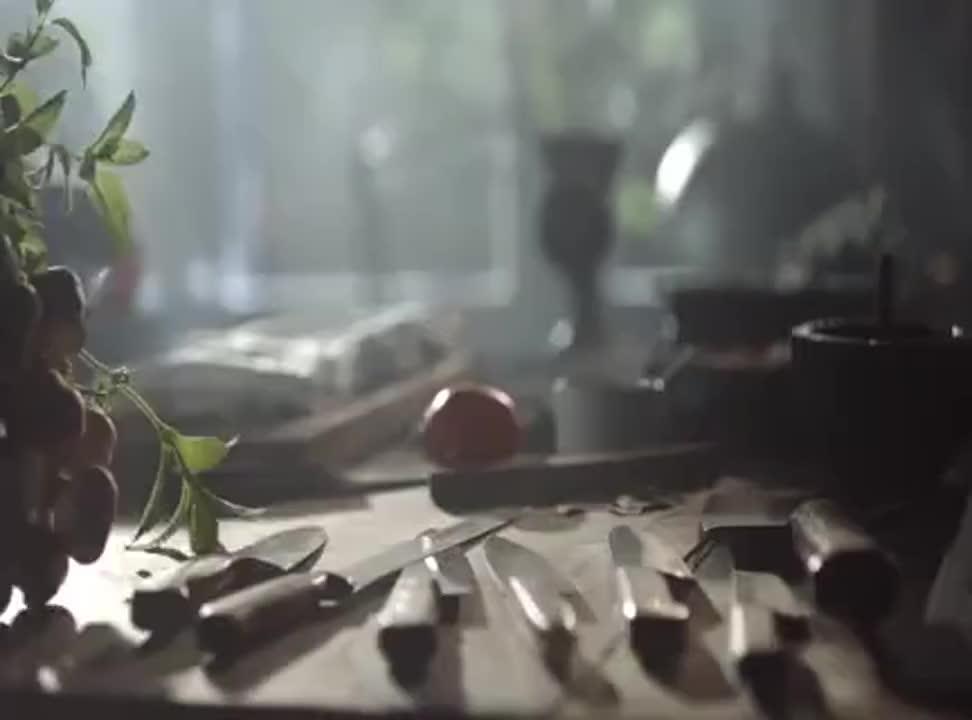 Perfekcja smaku od pokoleń reklamuje kiełbasę Olewnik