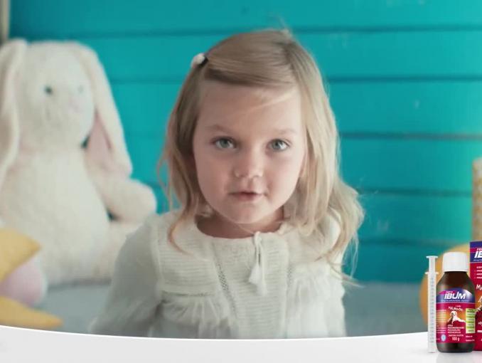 Dzieci dziękują rodzicom w reklamie Ibum Forte