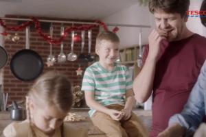 """""""Ciesz się tym, co ważne"""" - reklama Tesco"""